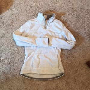 White North Face Pull over
